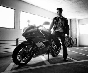 blackandwhite and moto image