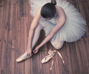 ballerina, dance, and pointe shoes image