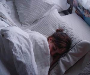 Palo Alto, bed, and emma roberts image