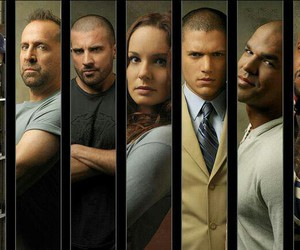 prison break, michael scofield, and lincoln burrows image