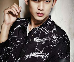 kim soo hyun and model image