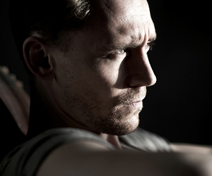 tom hiddleston, photoshoot, and sexy image