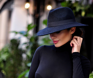 black and hat image