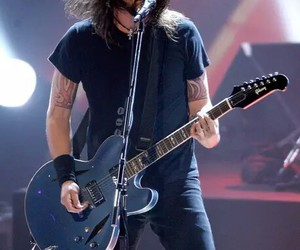 dave grohl, foo fighters, and guitar image