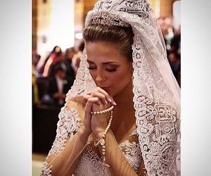 beautiful, bride, and pray image