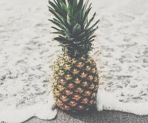 beach, pineapple, and iphone image