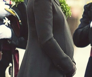 catherine middleton, duchess of cambridge, and royal baby bump image