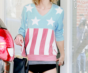 style, fashion, and Taylor Swift image
