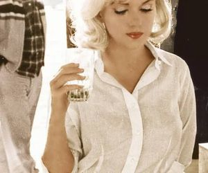 Marilyn Monroe and blonde image