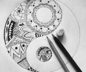 draw and ying and yang image