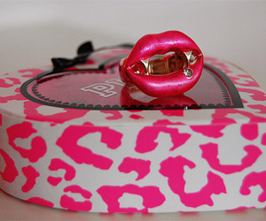 pink, Victoria's Secret, and ring image