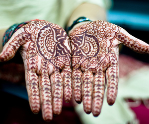 henna, hands, and indian image