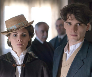 gran hotel and love image