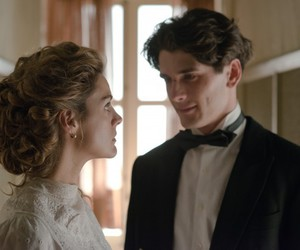 love, serie, and gran hotel image