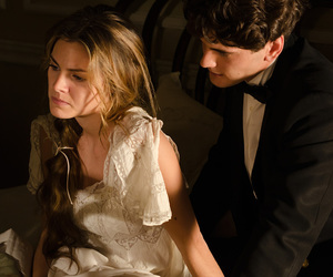amor, serie, and gran hotel image