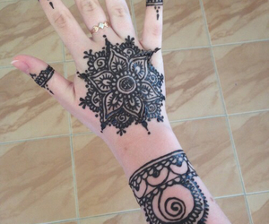 henna and beautiful_teens image