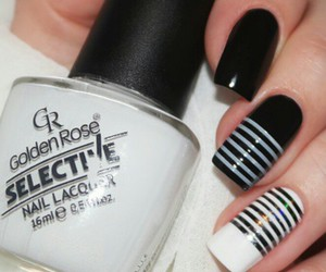 black and white nails image
