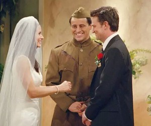chandler, monica, and Courteney Cox image