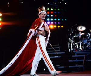 band, crown, and Freddie Mercury image