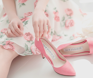fashion, floral, and lovely image