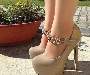 beige, zapatos, and glamour image