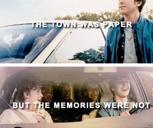 paper towns and book image