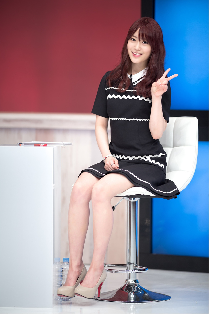 kara, youngji, and kpop image