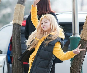 blonde, peace, and haein image