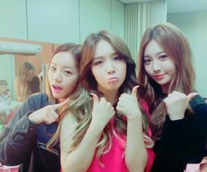 hyeri, girls, and yura image