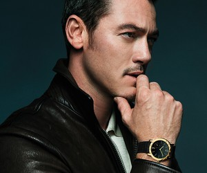 sexy and luke evans image