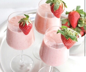 strawberry, smoothie, and drink image