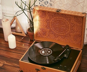 music, room, and vintage image