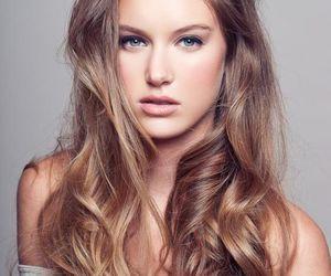natural hair, ash blonde, and dark blonde image