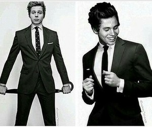 5sos, suit, and hemmings image
