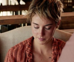 cry, dauntless, and insurgent image