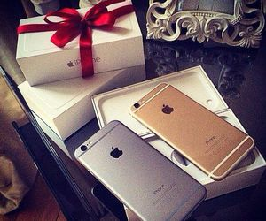 iphone and gift image
