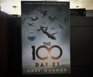 book, the cw, and the 100 image