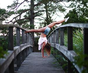 acrobatic, ebbalilliestrom, and balance image