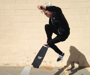 lucky blue smith, boy, and skate image