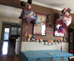 ballons, partydecoration, and mickeymouseballoons image