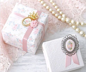 romantic, beautiful, and pearls image