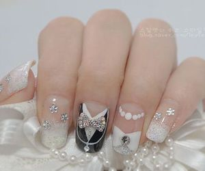 nails and wedding image