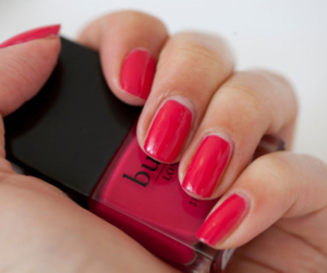 pretty and red nails image