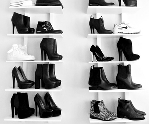 black, chaussures, and shoes image