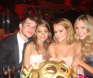 personal, sarah hyland, and modern family image