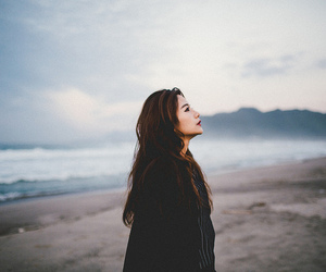 girl, indie, and beach image