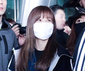 incheon airport, chorong, and apink image