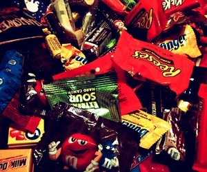 candy, Halloween, and Tootsie Roll image