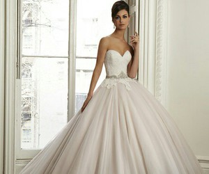 wedding, wedding dress, and weddinggown image