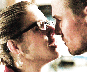 oliverqueen, olicity, and felicitysmoak image